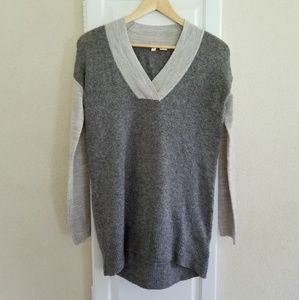 Anthropologie Moth Gray V-Neck Sweater Tunic XS